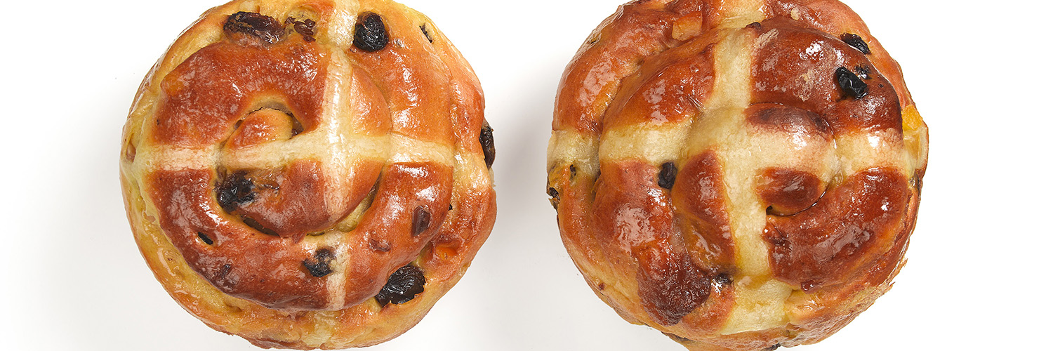 Heston's Simnel-inspired Hot Cross Buns
